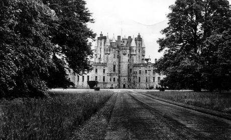 Glamis Castle www.bogles.co.uk bogle ghost witch witchcraft magic goblinshead