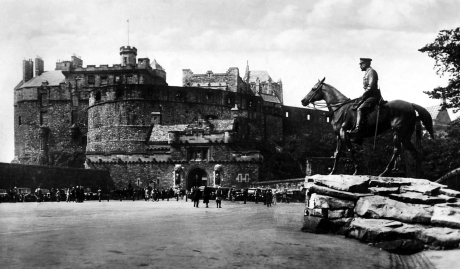 Edinburgh Castle www.bogles.co.uk Janet Douglas Lady Glamis bogle ghost witch witchcraft magic goblinshead