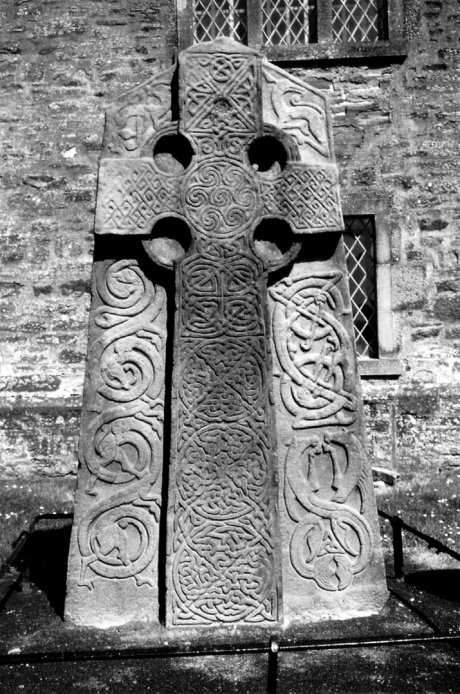 Aberlemno | Pictish sculpted stone | The Picts | Wee Guide | Duncan Jones| Goblinshead | 9781899874125